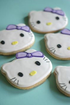 10 Delicious Cat Desserts That Will Blow Your Mind Cute Cookies, Sugar Cookies, Laceys Cookies Recipe, Superhero Cookies, Amazing Cookie Recipes, Hello Kitty Cookies, Royal Icing Sugar, Iced Biscuits, Hello Kitty Birthday