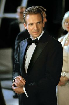 Ralph fiennes in tuxedo 8x10 color photo