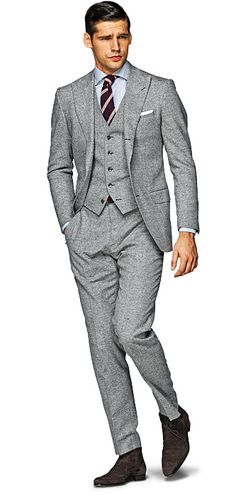 A great mix of classic and modern tailoring in a nice mid-grey color from SuitSupply. Sharp! More style news, suit reviews, tips & tricks and coupons at www.indochino-review.com #IndochinoReview