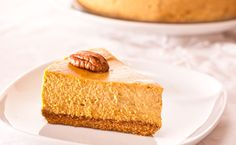 A decadent twist on traditional pumpkin pie. Perfect for holiday entertaining, or any occasion that calls for a delicious cheesecake finish. Menu Desserts, Fall Desserts, Healthy Dessert Recipes, Cheesecake Mix, Pumpkin Cheesecake Recipes, Easy Thanksgiving Recipes, Thanksgiving Feast, Epicure Recipes, Specialty Foods