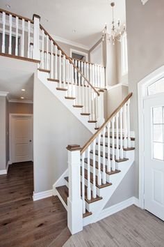 39 Best Painted Stairs Ideas For Your Modern Home Metal Barn Homes, Metal Building Homes, Timber Stair, Stair Railing, Banisters, Staircase Remodel, Staircase Makeover, Stairs In Living Room, House Stairs