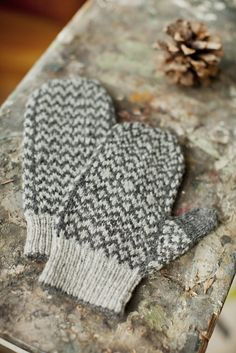 Parson Mittens knitting pattern by Brooklyn Tweed