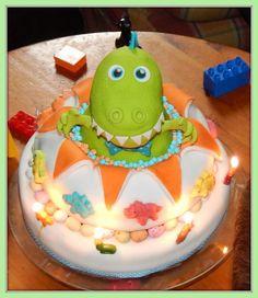 Dino Explosion Cake  - Cake by Jennifer Woracker