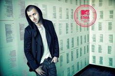 Grzegorz Hyży - nominacja w kategorii Najlepszy Polski Artysta Music Awards, Mtv, Europe, Coat, Jackets, Fashion, Down Jackets, Moda, Sewing Coat