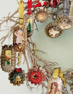 DIY Christmas ornaments: tart tins + vintage jewelry and images + resin,  Inspired Ideas Christmas 2012