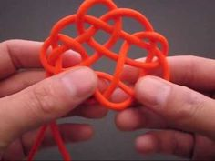 How to Tie the Witness to Your Splendor (Celtic) Knot by TIAT... any knot or braid you could possibly want to learn to do can be found on this You Tube page.  No talking, just clear, slow demonstration... and cool music... check it out!