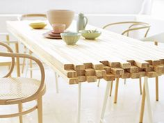 If we ever build a deck, I want this to be the table! rustic-modern dining table made from 2x4 Table, Plank Table, Wooden Table Diy, Easy Table, Trestle Table, Table Desk, Modern Rustic Dining Table, Rustic Modern, Dinning Table