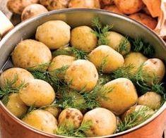 Legume gratinate - O reteta de vara, rapid de facut la cuptor Potato Salad, Potatoes, Ethnic Recipes, Food, Eten, Potato, Meals, Diet