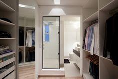 10 Closets com Banheiros Integrados - Sonho de Toda Mulher!
