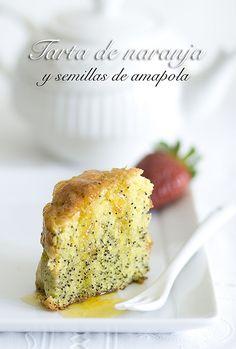 Tarta de naranja y semillas de amapola by Alicia {La locanda}, via Flickr