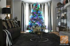 Christmas Tree Decorating Ideas: Blue and Gold Decorated Tree with Colored Lights