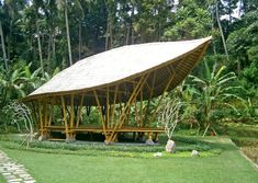 Image 9 of 12 from gallery of The Yoga Pavilion at Four Seasons / IBUKU. Bamboo Architecture, Space Architecture, Bamboo Building, Green Building, Outdoor Yoga, Indoor Outdoor, Bamboo House Design, Bamboo Structure, Bamboo Construction