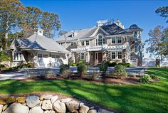 #Classic #Shingle #Home