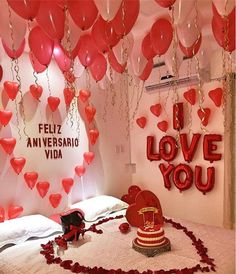 Romantic Room Decoration Ideas & Tips To Decorate Your Bedroom Birthday Room Decorations, Anniversary Decorations, Valentines Day Decorations, Valentines Diy, Romantic Surprise, Romantic Gifts, Boyfriend Anniversary Gifts, Boyfriend Gifts, Perfect Boyfriend