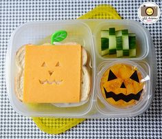 Super easy Halloween @EasyLunchboxes lunch idea!