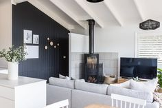 Welcome to Eliza Lee One, a fully contained and recently renovated three bedroom apartment for up to seven guests located in the heart of Jindabyne. Boutique Interior, A Boutique, 3 Bedroom Apartment, Site Design, Minimalist Design, Interior Styling, Kitchen Design, Lounge
