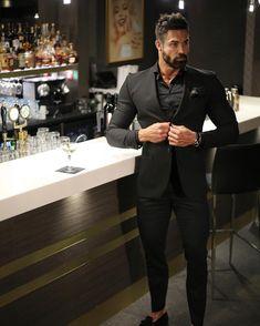 50 Elegant Work Outfits Fashion Ideas for Mens - Gentleman Mode, Gentleman Style, Mens Fashion Suits, Mens Suits, Fashion Outfits, Fashion Ideas, Stylish Men, Men Casual, Black Suit Men