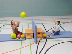 Children's gymnastics is called . Physical Activities For Kids, Gross Motor Activities, Gross Motor Skills, Physical Education, Fun Activities, Kids Gym, Kids Sports, Pediatric Ot, Diabetic Dog