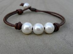 Pearl Bracelets : Photo