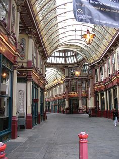 Harry Potter locations: The entrance to wizard's pub, 'the Leaky Cauldron', is an optician in Bull's Head Passage in Leadenhall Market in the City of London.