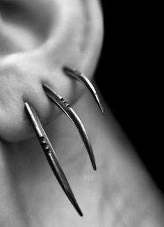 TRIS: Scythe statement earrings, set of sterling silver - Joanna Szkiela x Ovate collab - accessoires sieraden - Ear Piercing Tattoo Und Piercing, Body Piercings, Piercing Types, Tongue Piercings, Cartilage Piercings, Rook Piercing, Guys Ear Piercings, Triple Piercing, Crazy Piercings