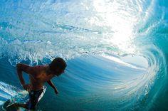 Surfing barrel