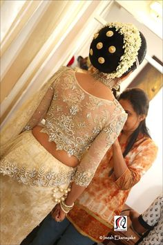 Kandyan Bridal Hairstyles Step By Step Low Bun Hairstyles, Indian Hairstyles, Bride Hairstyles, Step Hairstyle, Bridal Sari, Indian Bridal, South Indian Bride Hairstyle, Gents Hair Style, Bridesmaid Saree