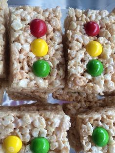 Traffic light Rice Krispie treats for wheels on the bus party More