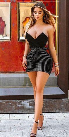 Anastasiya Kvitko Russian Fitness And Glamour Model Beautiful Legs, Gorgeous Women, Tight Dresses, Sexy Dresses, Mädchen In Bikinis, Tumbrl Girls, Femmes Les Plus Sexy, Curvy Women Fashion, Sexy Legs