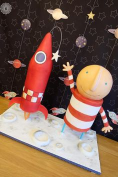 Part of the Cuties Children's Books Collaboration. My interpretation of Oliver Jeffers' How To Catch A Star. This was my first structured cake Story Sack, Oliver Jeffers, Gravity Defying Cake, 3rd Birthday, Birthday Cakes, Classroom Displays, Cake Decorating Tips, Children's Literature, Eyfs