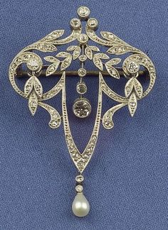 Edwardian Platinum, Diamond and Pearl Pendant/Brooch