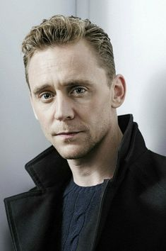 "MX07902 Tom Hiddleston - English Loki Actor Movie Star 14""x21"" Poster"
