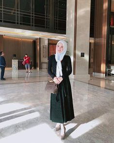 One fine day. I missed you so much. I'll see you in on Oct Muslim Fashion, Hijab Fashion, Song Hye Kyo, One Fine Day, Muslim Women, Jakarta, Korea, Jeans, Pretty