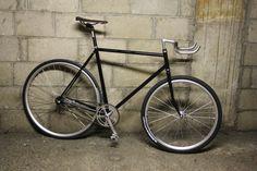 «Retrope» ou comment monter un singlespeed avec frein en rétropédalage sur fixie-singlespeed.com Bicycle Types, Fixed Gear, Bicycles, Vehicles, Veil, Urban Bike, Types Of Bicycles, Car, Bike