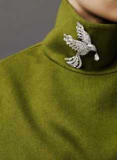 Graff Bird of Paradise brooch...I'm all about birds this month.