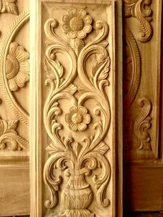 Carved Wood Window Ideas Pin by Iacoboae Constantin On Patterns In 2019 Front Door Design Wood, Wooden Door Design, Wood Design, Wood Carving Designs, Wood Carving Art, Wood Art, Wooden Door Knobs, Pooja Room Design, Carved Wood Signs