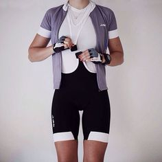 Really, girls, the magnetic and halterneck bib shorts by @dhbsport are everything. Comfortable on long and short rides, easy to take off, they fit perfectly, come in different colours AND are affordable. #girlswhoride