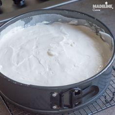Cel mai bun cheesecake keto / Best keto cheesecake - Madeline's Cuisine Keto Cheesecake, Smoothie, Icing, Fresh, Desserts, Food, Kitchens, Tailgate Desserts, Deserts