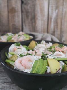 Salat med rejer – Jensens Madblog Danish Food, Feel Good Food, Tapas, Lchf, Cobb Salad, Potato Salad, Keto Recipes, Picnic, Brunch