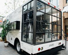 29 ideas fashion truck interior ideas for 2019 Bus Living, Living Rooms, Interior Design Minimalist, Bohemian Interior Design, Modern Design, Mobile Boutique, Mobile Shop, Mobile Kiosk, Mobile Cafe