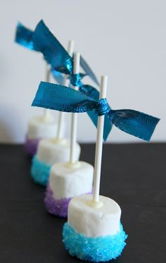 2014 Halloween Blue and Purple Disney Frozen Marshmallow Pops - White Chocolate, Snowflake #Halloween #Marshmallow #desserts
