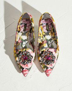 SALONES PLANOS BELLUCCI DE BROCADO CON PEONÍAS - Bailarinas - Dolce&Gabbana - Verano 2015