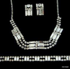 http://de.dawanda.com/product/44766442-Baguette-Strass-Halskette-Armband-Ohrclips-Set