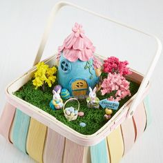 Make this adorable DIY Miniature Easter Scene Basket for your spring decor
