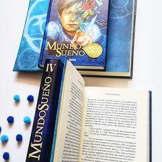 📚 ¿Conocéis la saga Mundo Sueño? 📚 Una tetralogía de novelas fantásticas en las que se describen las mágicas aventuras de Rebeca Balvatin y su familia en su lucha contra Los sinsueño (los verdaderos villanos de la historia).  📚PVP: 15.95€ cada uno.