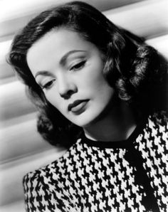 Gene Tierney seemed destined to become a debutant and part of the New York social scene, but she was discovered by Hollywood during a family vacation to California. Hollywood Glamour, Hollywood Stars, Classic Hollywood, Old Hollywood, Hollywood Heroines, Hollywood Actresses, Gene Tierney, Uñas Pin Up, Divas
