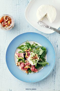 Fig and cottage cheese salad with honey & walnut dressing