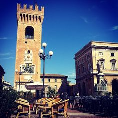 Recanati - province of Macerata Marche region Italy Places Ive Been, Places To Visit, Tea Houses, Regions Of Italy, Italian Beauty, Visit Italy, Wishing Well, Cool Landscapes, Get Outside