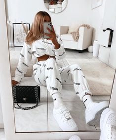 December 24 2019 at fashion-inspo Cute Lazy Outfits, Teenage Outfits, Cute Swag Outfits, Chill Outfits, Sporty Outfits, Winter Fashion Outfits, Girly Outfits, Mode Outfits, Retro Outfits