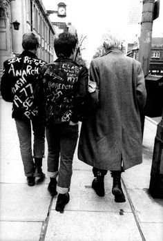 London Punks, June 1977 (Kings Road Punks por Estate Of Keith Morris)